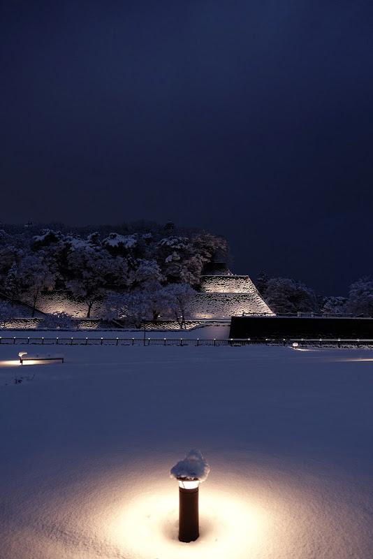 雪明り雪灯り。広坂緑地