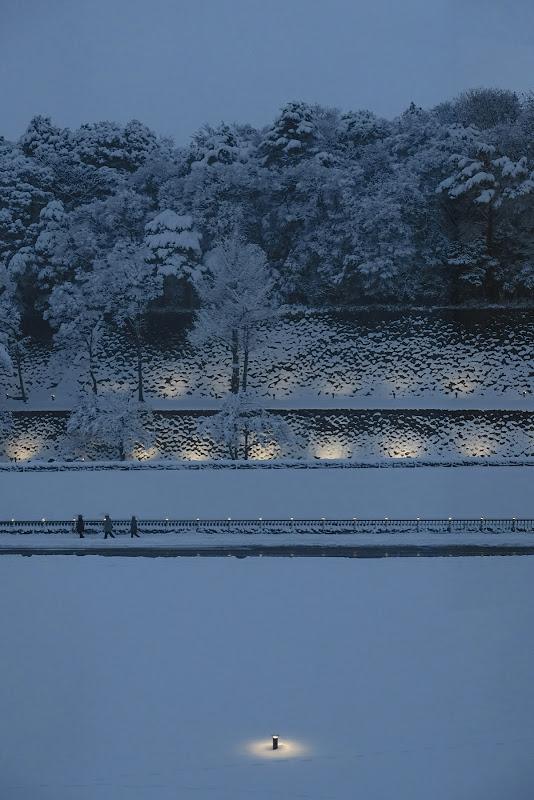 雪の中の三博士 金沢城 いもり堀 広坂緑地